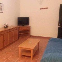 Отель Apartamentos Las Parcelas Испания, Кониль-де-ла-Фронтера - отзывы, цены и фото номеров - забронировать отель Apartamentos Las Parcelas онлайн комната для гостей фото 5