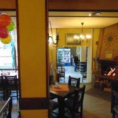 Отель Meteor Family Hotel Болгария, Чепеларе - отзывы, цены и фото номеров - забронировать отель Meteor Family Hotel онлайн питание