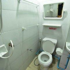 Отель Chaiwat Guesthouse ванная фото 2