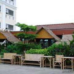 Отель Convenient Resort бассейн