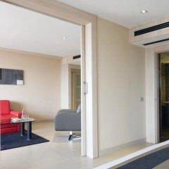 Отель Melia Sevilla сейф в номере