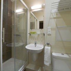 Отель Du Quai De Seine Париж комната для гостей