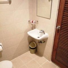Отель Deva Patong Suites Пхукет ванная фото 2