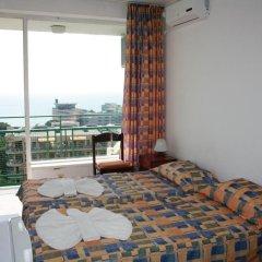 Hotel Varshava Золотые пески комната для гостей фото 2