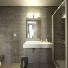 Отель Hôtel Vaubecour Франция, Лион - отзывы, цены и фото номеров - забронировать отель Hôtel Vaubecour онлайн ванная фото 2