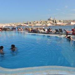 Отель Fortina Spa Resort бассейн