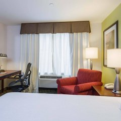 Отель Hilton Garden Inn Queens/JFK Airport США, Нью-Йорк - 1 отзыв об отеле, цены и фото номеров - забронировать отель Hilton Garden Inn Queens/JFK Airport онлайн комната для гостей фото 3