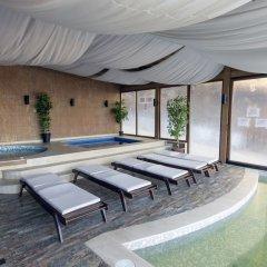 Отель Aparthotel Forest Glade Болгария, Чепеларе - отзывы, цены и фото номеров - забронировать отель Aparthotel Forest Glade онлайн бассейн
