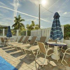 Отель Regency Inn & Suites бассейн фото 3