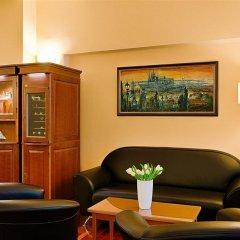 Отель Cloister Inn Прага гостиничный бар