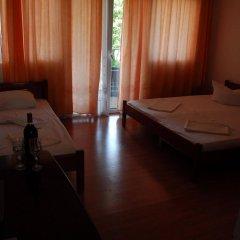 Отель Saki Apartmani Черногория, Будва - отзывы, цены и фото номеров - забронировать отель Saki Apartmani онлайн комната для гостей