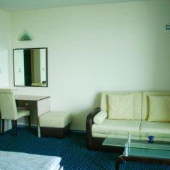Peter Hotel Равда комната для гостей