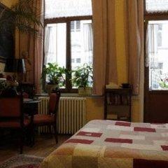 Отель Les Bluets Бельгия, Брюссель - отзывы, цены и фото номеров - забронировать отель Les Bluets онлайн удобства в номере фото 2
