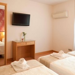 Отель Hostal Abami Ii Мадрид комната для гостей фото 2