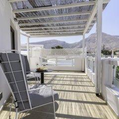 Отель La Mer Deluxe Hotel & Spa - Adults only Греция, Остров Санторини - отзывы, цены и фото номеров - забронировать отель La Mer Deluxe Hotel & Spa - Adults only онлайн балкон