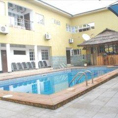 Отель Jorany Hotel Нигерия, Калабар - отзывы, цены и фото номеров - забронировать отель Jorany Hotel онлайн бассейн фото 2