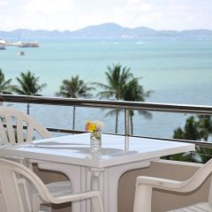 Отель Flipper Lodge Паттайя балкон