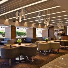 Отель Ramada by Wyndham Lisbon интерьер отеля