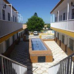Отель Hostal Los Mellizos Испания, Кониль-де-ла-Фронтера - отзывы, цены и фото номеров - забронировать отель Hostal Los Mellizos онлайн балкон
