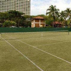 Отель Hilton Colombo Шри-Ланка, Коломбо - отзывы, цены и фото номеров - забронировать отель Hilton Colombo онлайн спортивное сооружение