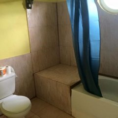 The blue Lagoon Hostel & Private Rooms ванная