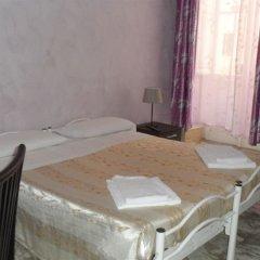 Отель Evans Guesthouse в номере