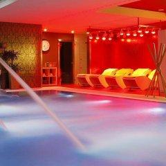 Отель Castillo Del Bosque La Zoreda бассейн