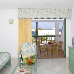 Отель Aparthotel Esquinzo Y Monte Del Mar комната для гостей фото 2