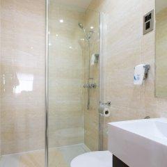Отель Lorne Hotel Великобритания, Глазго - отзывы, цены и фото номеров - забронировать отель Lorne Hotel онлайн ванная