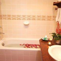 Отель Bhundhari Chaweng Beach Resort Koh Samui Таиланд, Самуи - 3 отзыва об отеле, цены и фото номеров - забронировать отель Bhundhari Chaweng Beach Resort Koh Samui онлайн ванная