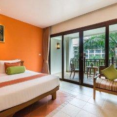 Отель Ravindra Beach Resort And Spa Таиланд, На Чом Тхиан - 6 отзывов об отеле, цены и фото номеров - забронировать отель Ravindra Beach Resort And Spa онлайн балкон