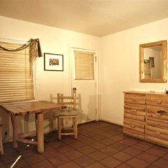 Отель Tioga Lodge at Mono Lake США, Ли Вайнинг - отзывы, цены и фото номеров - забронировать отель Tioga Lodge at Mono Lake онлайн комната для гостей фото 3