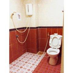 Отель Hoang Yen Guesthouse Вьетнам, Хошимин - отзывы, цены и фото номеров - забронировать отель Hoang Yen Guesthouse онлайн ванная фото 2