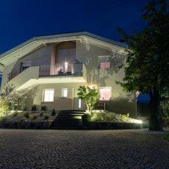 Отель Ferienwohnungen Gamper Лана вид на фасад