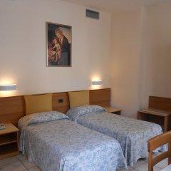 Hotel Pellegrino E Pace Лорето комната для гостей фото 3