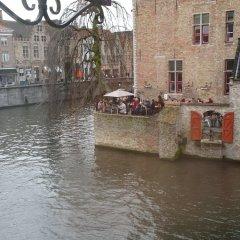 Отель Le Duc De Bourgogne Брюгге приотельная территория