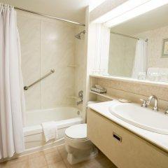 Отель Royal Scot Hotel & Suites Канада, Виктория - отзывы, цены и фото номеров - забронировать отель Royal Scot Hotel & Suites онлайн ванная фото 2