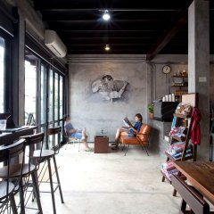 Dilokchan Hostel Бангкок гостиничный бар