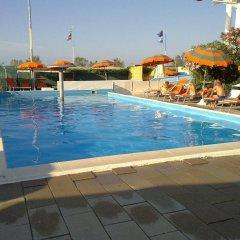 Отель Emma Nord Италия, Римини - отзывы, цены и фото номеров - забронировать отель Emma Nord онлайн бассейн