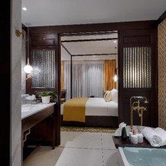 Allegro Hoi An Little Luxury Hotel & Spa Хойан сейф в номере