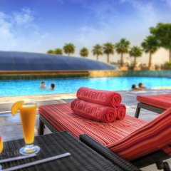 Отель Swissotel Al Ghurair Dubai Дубай бассейн