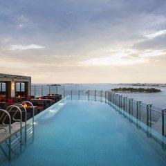 Отель Jen Maldives Malé by Shangri-La Мальдивы, Мале - отзывы, цены и фото номеров - забронировать отель Jen Maldives Malé by Shangri-La онлайн бассейн фото 2