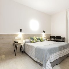 Отель Hostal Castilla II Puerta del Sol комната для гостей