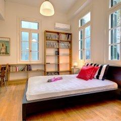 Отель Artistic neoclassical residence Греция, Афины - отзывы, цены и фото номеров - забронировать отель Artistic neoclassical residence онлайн комната для гостей фото 2