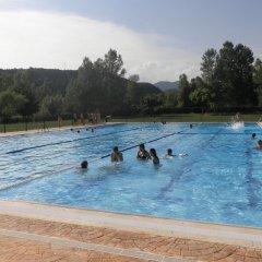 Отель Mesón de L'Ainsa Испания, Аинса - отзывы, цены и фото номеров - забронировать отель Mesón de L'Ainsa онлайн бассейн фото 2