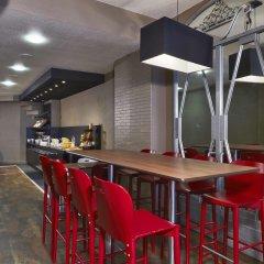 Отель Campanile Paris Ouest - Pte de Champerret Levallois гостиничный бар