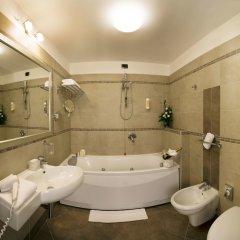 Отель Cosmopolitan Bologna ванная фото 2