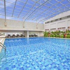 Sheraton Chengdu Lido Hotel бассейн