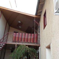 Отель Ali Baba's Guesthouse балкон