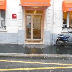 Отель ABRICOTEL Париж парковка